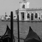 Während der Kunstbiennale ist in vielen Gebäuden der Stadt Venedig herausragende Kunst zu sehen, ein weiterer Grund in die Lagunenstadt zu reisen..