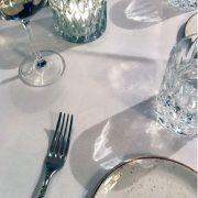 Etikette für Tipps was Sie tun sollten, wenn Sie im Restaurant den Wein bestellen sollen.