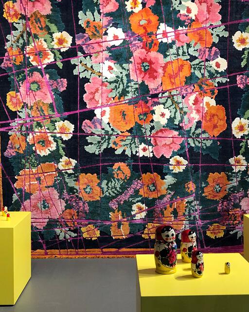 Luxus kann ein handwerklich herausragendes Produkt, wie ein handgeknüpfter Teppich von Jan Kath sein.