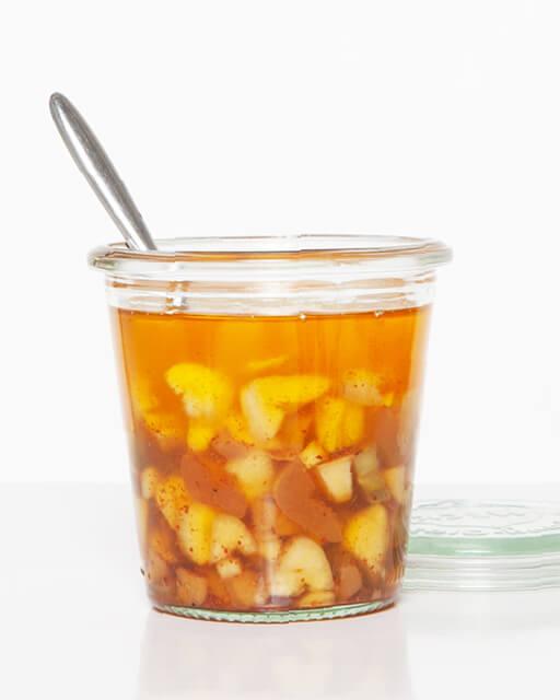 Ein praktisches und gesundes Aromaelixir aus Chili, Ingwer, Knoblauch und Öl.